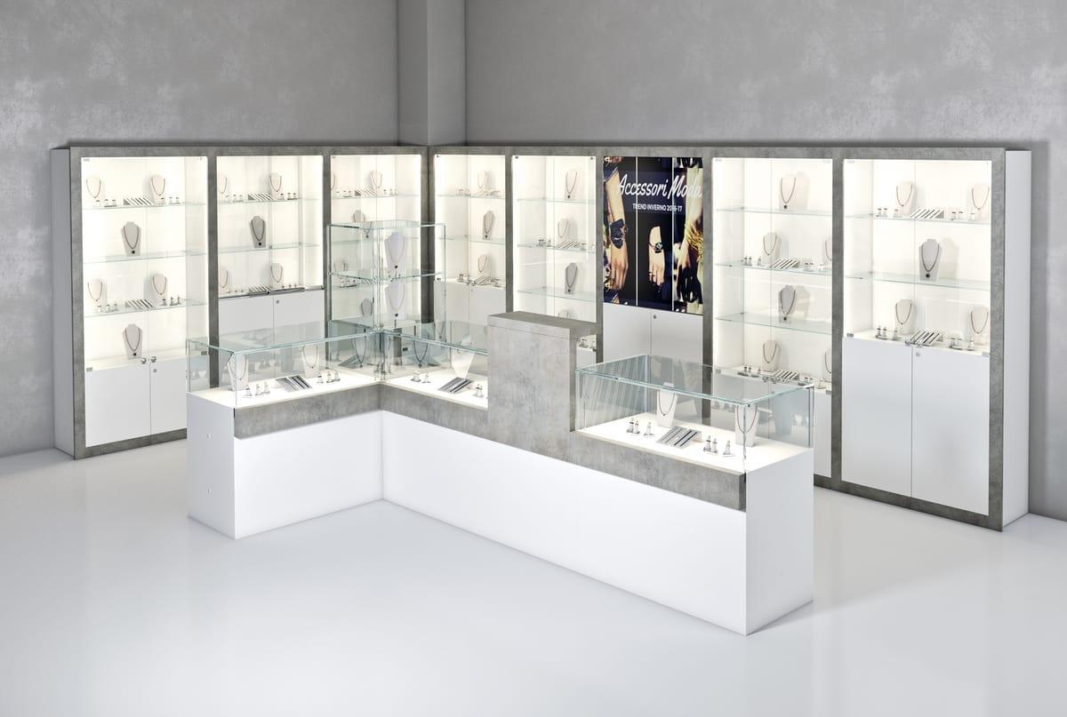 L arredo per un negozio di gioielli home cento arredamenti for Arredamento per gioielleria